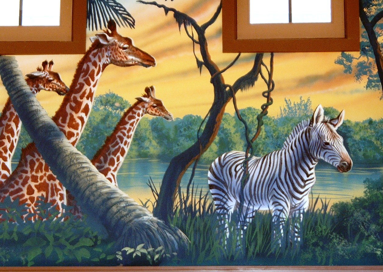 Henry-Vilas-Zoo-Visitor-Center-giraffe-zebra-mural-Paul-Barker