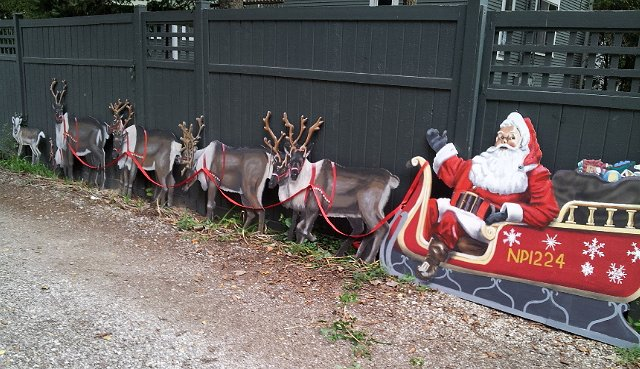 Rooftop Santa With Sleigh And Reindeer Googleplex Murals